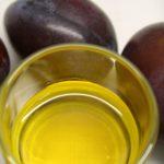 olio biologico di noccioli di prugna
