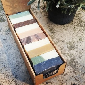sapone scatola da dieci pezzi in offerta