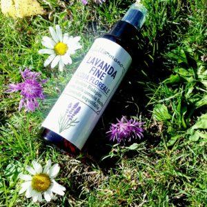 Acqua floreale biologica di lavanda fine