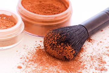 corso di cosmesi naturale crea il tuo make up minerale